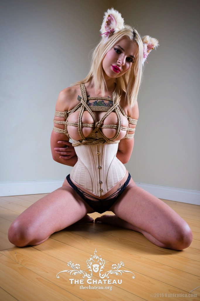 Claudia Rylie in rope post thumbnail